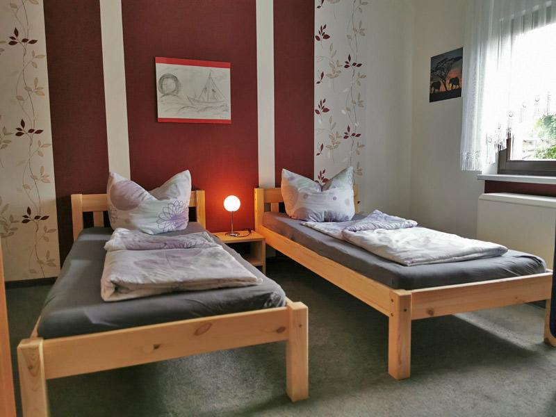 Schlafzimmer mit 2Einzelbetten